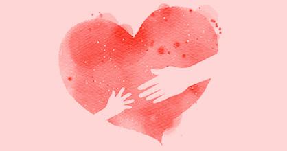 Dibujo de la mano de un niño que busca la mano de un adulto a través de un corazón color rosa en acuarela.